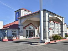 Colorado Springs (CO) Americas Best Value Inn And Suites Colorado Springs United States, North America Located in Northeast Colorado Springs, Americas Best Value Inn And Suites Colorado Spring is a perfect starting point from which to explore Colorado Springs (CO). The hotel offers a wide range of amenities and perks to ensure you have a great time. Wi-Fi in public areas, car park, meeting facilities, pets allowed are just some of the facilities on offer. All rooms are designe...