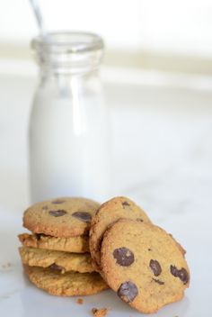 Tired of complex gluten-free recipes with long ingredient lists? These easy grain-free Crispy Chocolate Chip Cookies will surprise you and your tastebuds.