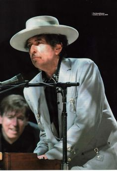 Bob Dylan - Full A4 Page Magazine Picture Photo Cutting - London 2009