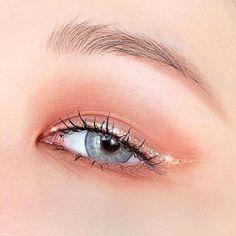 Soft Eye Makeup, Korean Eye Makeup, Edgy Makeup, Colorful Eye Makeup, Asian Makeup, Cute Makeup, Pretty Makeup, Makeup Inspo, Eyeshadow Makeup