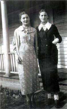 Friends c.1930s