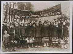 Russian peasants demonstrate in Red Square, Moscow, 1917, Daily Herald Archive, National Media Museum Collection / SSPL