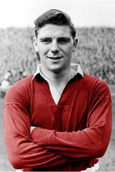 A Football Archive Munich Air Disaster, Man Utd Squad, Duncan Edwards, England Players, Manchester United Players, Look At The Moon, Soccer World, Professional Football, Man United