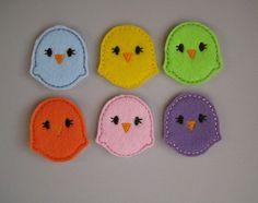 Lavoretti per Pasqua: pulcini in feltro colorati