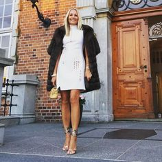 Wish I lived somewhere I could pull this look off - - I love it darling! x x by carolineflemingofficial Posh Dresses, Ladies Of London, Style Guides, Style Icons, Casual, Celebrity Style, Real Housewives, Winter Fashion, Summer Outfits