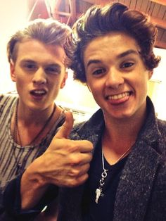 Tristan and Brad.. Brads thumbs ups though