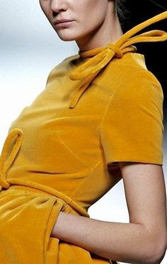 Mustard Brown Pantone's - Bing images Yellow Pantone, She's A Lady, What A Girl Wants, Velvet Fashion, Mustard Yellow, Fashion Forward, Casual Outfits, Casual Clothes, Leather Jacket