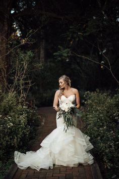 cassie-cook-photography-davis-home-at-strawberry-plains-wedding-venue-holly-springs-wedding-dress-mermaid-wedding-dress-bouquet-bride-wedding-dress