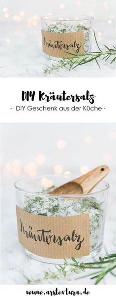DIY Kräutersalz selber machen - DIY Geschenk aus der Küche und schönes Mitbringsel #Geschenke #Geschenkidee #GeschenkeausderKüche #Kräutersalzselbermachen