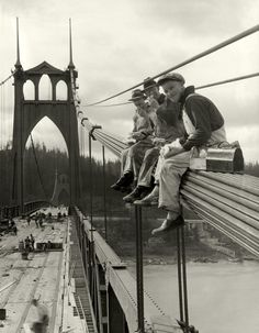 Lunchtime on the St. Johns Bridge N. Portland, Oregon in 1931 Check this blog!