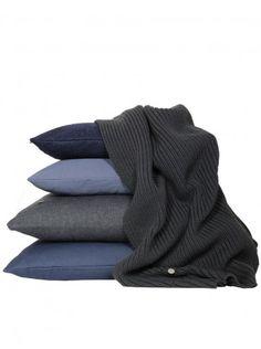 Diverse kussens in grijs tinten - Verkrijgbaar bij Galli Interiors