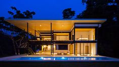 This beautiful, eco-friendly house in Costa Rica by Benjamin Garcia Saxe boasts breathtaking views of the Pacific Ocean and jungle.
