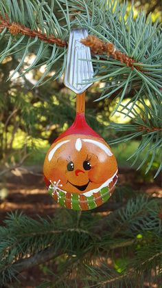 Items similar to Spoon Gingerbread Boy Handpainted Ornament Bouillon Spoon Stainless Steel on Etsy Christmas Ornament Crafts, Christmas Wood, Christmas Projects, Christmas Tree Decorations, Holiday Crafts, Spoon Ornaments, Hand Painted Ornaments, Painted Spoons, Gingerbread Crafts