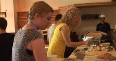 Sonntagsbrunch in Wien: lutz - die bar auf kost-bar.tv Bar, Chicken, Food, Mesh, Essen, Meals, Yemek, Eten, Cubs