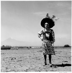 View Carnaval, Tlaxcala, Mexico by Graciela Iturbide on artnet. Browse more artworks Graciela Iturbide from ROSEGALLERY. Photography Classes, Book Photography, Street Photography, White Photography, Rare Clothing, Dreams And Visions, Philadelphia Museum Of Art, Portraits, Artwork Images