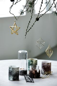 #home #interior #design #christmas #ornaments #gold #tealights #Moments2014 #housedoctordk #©housedoctor.dk http://www.housedoctor.dk/