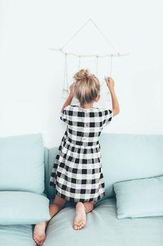 Постоянно обновляющиеся коллекции испанского бренда Zara, радуют девочек в новом сезоне мягкими, теплыми, невероятно комфортными и красивыми одеждами цвета осени. Zara выпустила новую коллекцию под названием Soft Collection, которая полностью отображает свое название. Новая коллекция представлена мн