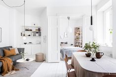 40 stunning small space living room ideas, tips and inspiration. Discover how to make the most of your small living room! Small Space Living Room, Small Living, Small Spaces, Living Spaces, Interior Design Inspiration, Home Interior Design, Small Luxury Homes, Bedroom Corner, Tiny Apartments