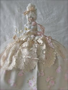 Where nostalgia and romance meet ...: Marie Antoinette half dolls ...