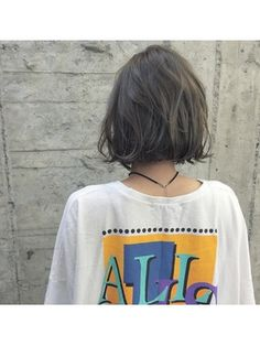 シアーアッシュグレー 切りっぱなしボブ/eight&half/アトリエ店をご紹介。2018年春の最新ヘアスタイルを100万点以上掲載!ミディアム、ショート、ボブなど豊富な条件でヘアスタイル・髪型・アレンジをチェック。