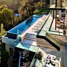 Bom dia sábado!!!! Quem mais queria passar o fim de semana aí levanta a mão  Arquitetura por Gaski Architectes