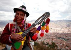 The charango! Another musical instrument to weave a strap for. When I got a custom order for one, I had to go look it up. Loved this photo from the Incandescent Planet blog.