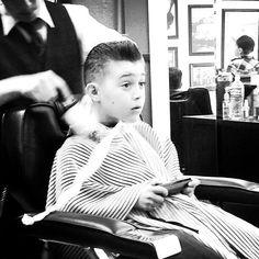 Fresh cut while gaming. Cut My Hair, Your Hair, Hair Cuts, Men's Hair, All Hairstyles, Vintage Hairstyles, Barbers Cut, Salon Style, Cool Haircuts