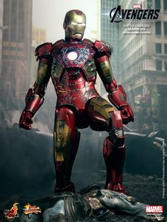 Hot Toys - Battle Damaged Iron Man
