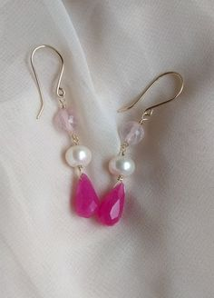 Cercei lungi, eleganti, roz si auriu Cottoncandy Pearl Earrings, Drop Earrings, Pearls, Color, Jewelry, Pearl Studs, Jewlery, Jewerly, Beads