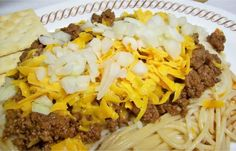 Skylike Chili Skyline Chili Copycat from A copycat of Skyline Chili true Cincinnati chili except its less greasy I combine all the dry spices times ten and keep the Sky. Chili Recipes, Copycat Recipes, Soup Recipes, Recipies, Dinner Recipes, Chili Spaghetti, Skyline Chili, Restaurant Recipes, Cooking Recipes