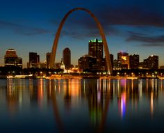 Span the West at The Gateway Arch, St. Louis : 21 Family Must-Stops Along Route… St Louis Gateway Arch, Saint Louis Arch, The Places Youll Go, Great Places, Places To Visit, St Louis Skyline, Arch Architecture, Rio, Roadside Attractions