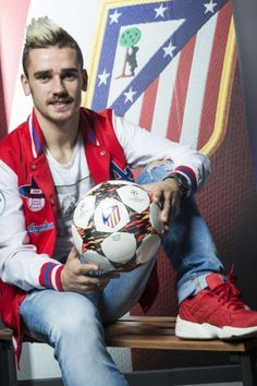 Griezmann. Antoine Griezmann, Soccer Players, Football Team, Champions, Reign, Captain America, My Friend, Ronald Mcdonald, Mens Fashion