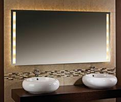 Komfort im Badezimmer bedeutet, auf einen hochwertigen Badspiegel nicht verzichten zu müssen. Wandspiegel Dallas mit Halogenbeleuchtung.