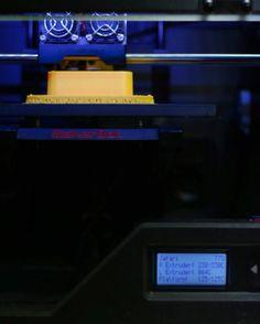 ادامه پرينت قطعه هاى يك قالب براى بتن ريزى .  #پرينت_سه_بعدي  #فب_لب #فب_لب_ايران #كارگاه_ساخت_ديجيتال  #fablab.ir #fablab #fabrication #digital_fabrication #fablab_ir #fablab_tehran #fablab_iran #fabricationlife  #architecture #3dprinting