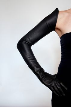 Schulterhohe Handschuhe mit Saum - Ines Gloves