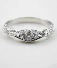 Gorgeous. Would make a great ring to give to my daughter and then she give it to her daughter if she has one.