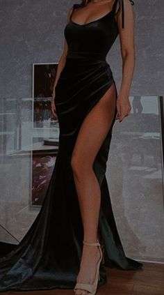 Stunning Prom Dresses, Pretty Prom Dresses, Glam Dresses, Elegant Dresses, Cute Dresses, Beautiful Dresses, Fashion Dresses, Glamouröse Outfits, Classy Outfits