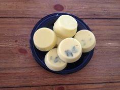 Easy peasey homemade lotion bars!