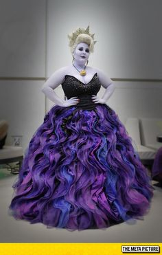 Ursula Cosplay.... That Skirt though!!