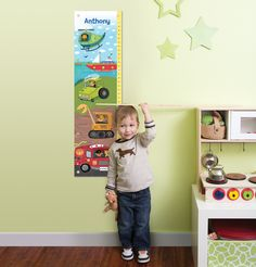 This personalized children's growth chart from @iseemebooks is such a fun, playful addition to the big kid room!