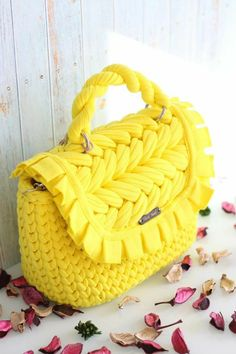 Crochet Clutch, Crochet Handbags, Small Crossbody Bag, Tote Bag, T Shirt Yarn, Everyday Bag, Knitted Bags, Small Bags, My Bags