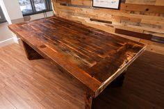 Table HEZA en bois de grange