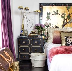 I am so excited to share today's chic bohemian home, the second I saw it I was madly inspired. This is the bedroom of my girl, Jessica Rowe, artist behind @theaestate. You probably remember her from the Winter issue of ISTA magazine! She's a total girl boss and glamorous little bohemian with