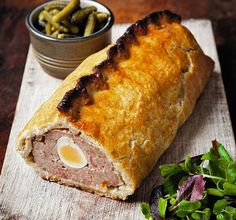 The Hairy Bikers meat festival: Gala picnic cake Ungroomed locks could make you come to Picnic Pie Recipe, Pork Pie Recipe, Picnic Recipes, Sandwich Recipes, Savory Pastry, Savoury Baking, Savoury Pies, Pastry Dishes, Picnic Cake