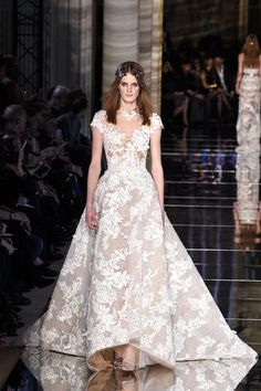 Pin for Later: The Most Stunning Wedding Dresses From Couture Fashion Week Zuhair Murad Haute Couture Spring/Summer 2016