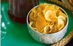 A delicious recipe for home-made crisps as a prelude to dinner on Christmas Eve Snack Recipes, Cooking Recipes, Healthy Recipes, Snacks, Healthy Meals, Healthy Crisps, Crisp Recipe, Confectionery, Finger Foods