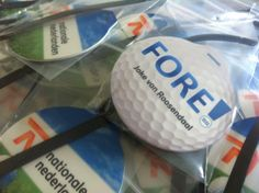 Elke label kan individueel voorzien worden van naam en of nummer van  de leden van uw golfteam, vereniging of deelnemers aan uw golftoernooi: http://www.bagtags.nl
