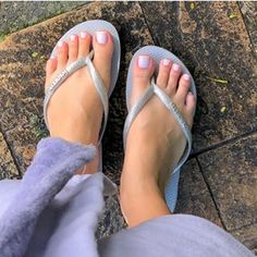 Image may contain: one or more people, shoes, closeup and outdoor Cute Toes, Pretty Toes, Foot Bracelet, Feet Nails, Barefoot Girls, Beautiful Toes, Foot Toe, Feet Soles, All About Shoes