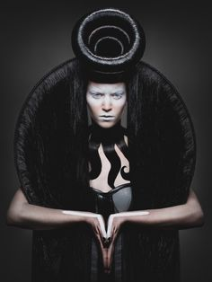 ObscurNunS by Duy Ha Minh. Makeup: Alex Marjolaine Mazens Hair: Pierre Ginsburg Stylists: Owlee Styliste and Droops Creation Models: Anne Claire Cardeau, Claudia Crespy, Valentine Baylet, Sophie Campana art editorial Duy Ha Minh – ObscurNunS Fancy Hairstyles, Creative Hairstyles, Avant Garde Hair, Arte Obscura, Fantasy Hair, Hair Shows, Foto Art, Professional Hairstyles, Dark Beauty