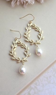 Laurel Wreath Cream Ivory Pearl Drop Gold Chandelier Earrings. Bridal Pearl Wedding Jewelry, Bridal Earring Bridesmaids Gift, Wreath Jewelry by Marolsha - https://www.etsy.com/listing/154116976/laurel-wreath-cream-ivory-pearl-drop?ref=shop_home_active_7
